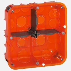 080124 Boîte multimatériaux legrand 2x2 postes batibox