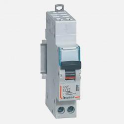 Disjoncteur courbe D 32A ph + neutre Legrand 406812
